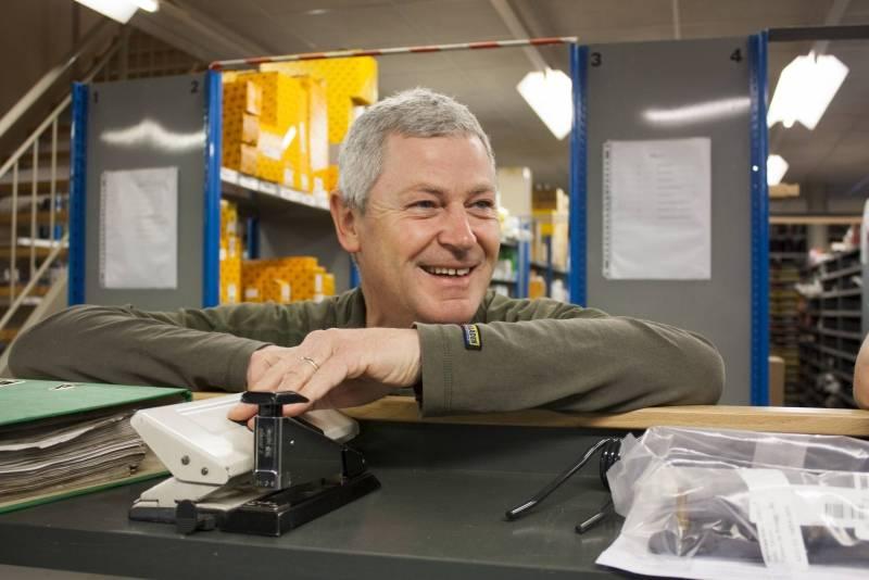 Jean Gubbels van het onderdelen magazijn reinigingstechniek