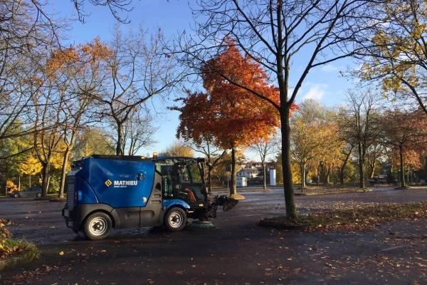 Mathieu straatveegmachines in de herfst