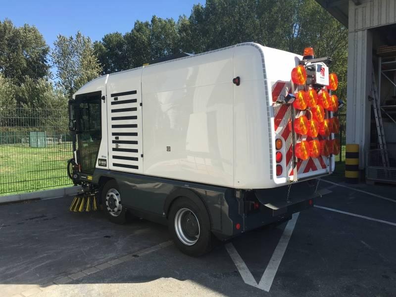 RAVO Maxi Kompaktkehrmaschine