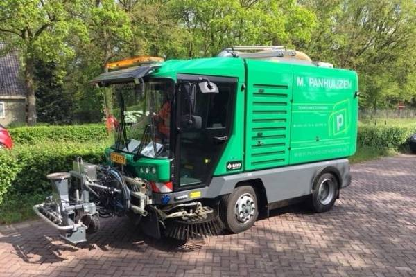 M. Panhuijzen Outdoor Care & Cleaning B.V. (NL)