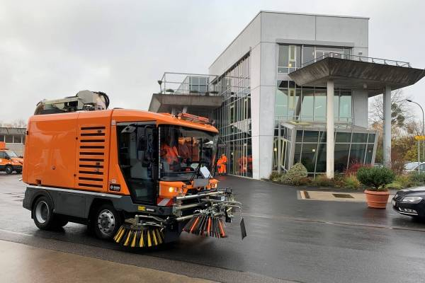 RAVO straatveegmachine